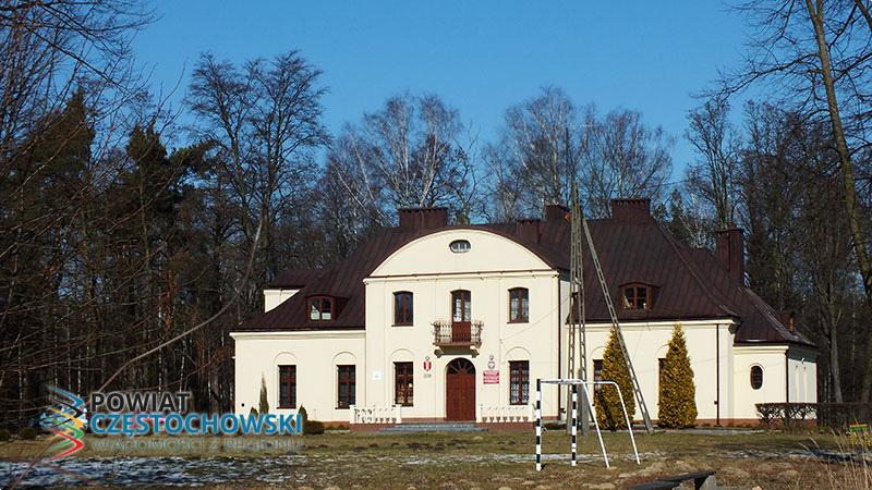 Dwór Antoniego Schutza w Bogumiłku - Wojciech Domagała / Wikipedia / CC BY-SA 3.0 pl
