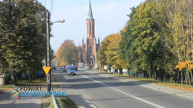 Rędziny - Widok na kościół - Michal mwr / Wikipedia / Public domain