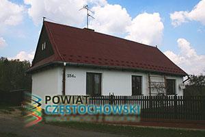 Leśniczówka w Hutkach - Przykuta / Wikipedia / GFDL