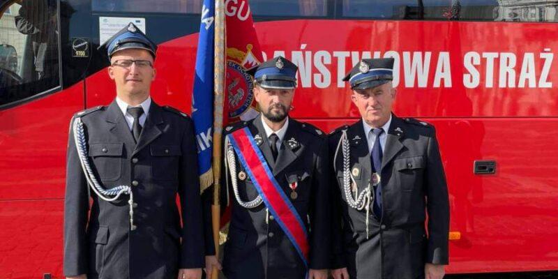 Strażacy OSP Rudniki uczestniczyli wobchodach 100 lecia Związku OSP RP wWarszawie.